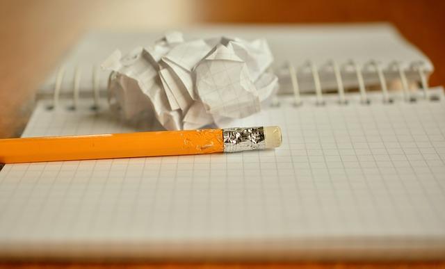 crayon, notes, mâché